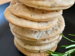 olive oil and rosemary crackers